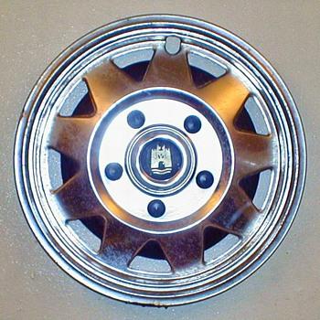 VW Vanagon Hubcap