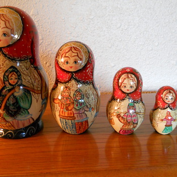 Babushka/Matroyshka Doll - Dolls