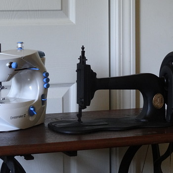 1874 Singer 12 Sewing Machine - Technology 150 Years Ago To Now