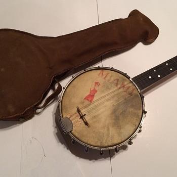 S.S. Stewart UNIVERSAL  ukulele  - Musical Instruments