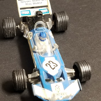 Corgi Rob Walker - Brooke Bond Oxo Surtees TS 9 F1 Race Car - Model Cars