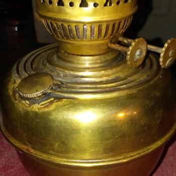 DOUBLE WICK KEROSENE LAMP - Lamps