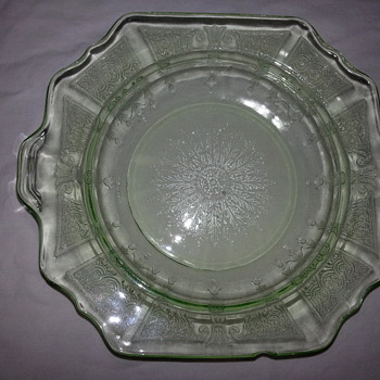 HOCKING PRINCESS PLATE IN GREEN