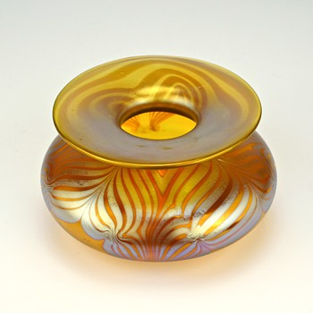 LOETZ  PHANOMEN GENRE 181  - SIGNED - Art Glass