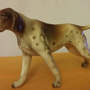 English Pointer Standing Hunting Dog china figurine - Animals