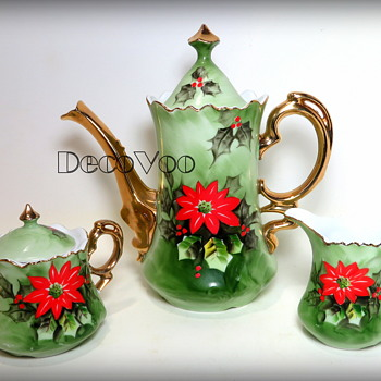 1940's Lefton Poinsettia Tea/Coffee set - Pottery