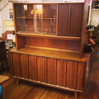 Late 60s Lane Buffet with Hutch - Mid-Century Modern