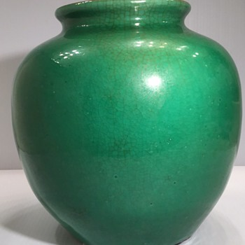 Apple green crackle glaze vase late 18th C to early 19th C