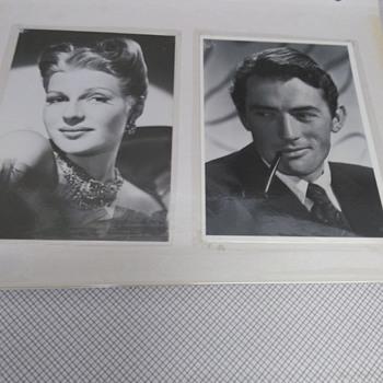 VINTAGE POSTCARDS - Postcards