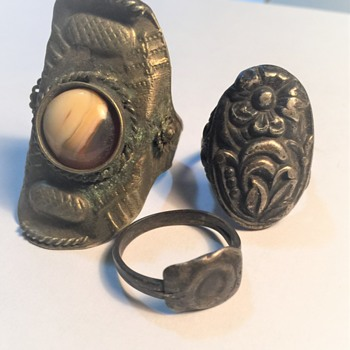 UPDATE ******ANTIQUE METAL RINGS FROM FARM ESTATE NON-MAGNETIC, - Costume Jewelry
