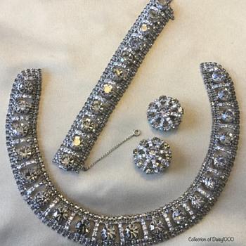Heavy Vintage  Parure — Necklace, Bracelet, Earrings - Costume Jewelry