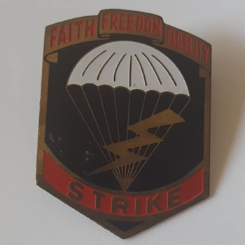 Unknown army crest - Military and Wartime