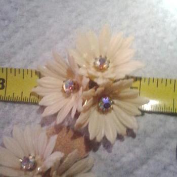 gaudy ? - Costume Jewelry