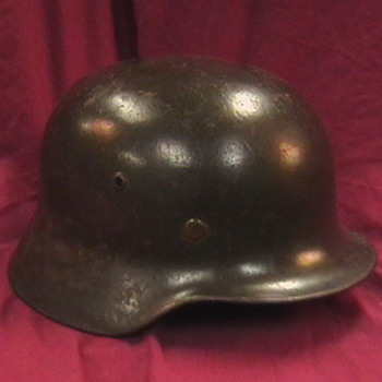 WW II German M 35 Helmet