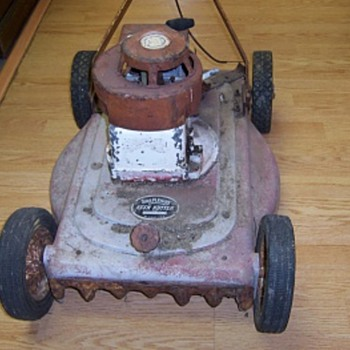 1950s' Shapleigh's Keen Kutter Push Mower - Tools and Hardware