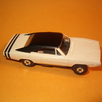 AURORA T-JET DODGE CHARGER SNOW WHITE - Model Cars