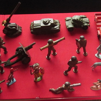Toy Soldiers. Mostly 1950s.