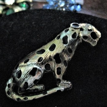 Leopard Pin  - Costume Jewelry