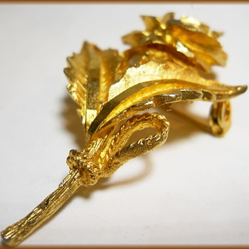 Vintage CORO MARKED Rose Brooch - Costume Jewelry