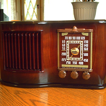 1946 SONORA AM TUBE RADIO MODEL RCU-208 - Radios