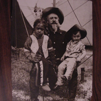 Buffalo Bill Cody portrait - Photographs