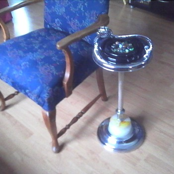 Fancy Arm Chair Ashtray and Lighter