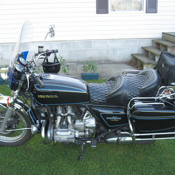 My 1977 GL1000 Honda Gold Wing - Motorcycles