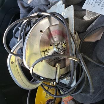 Dayton circular saw 7 1/4  - Tools and Hardware