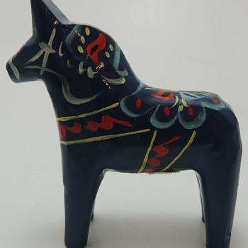 NILS OLSSON Miniature Horse
