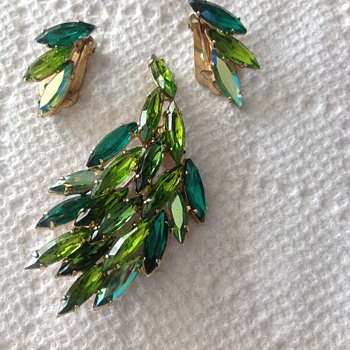 Brooch and earrings  - Costume Jewelry