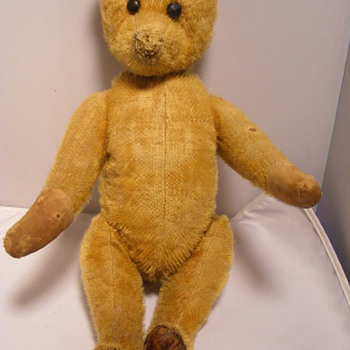 HELP would like to find out maker of yes no bear with leather feet - Dolls