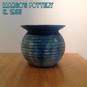 MARGO'S POTTERY VASE c 1930 - Pottery