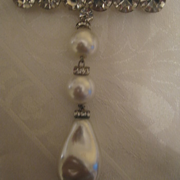 Vintage/Antique Brooch Pearl w/rhinestones/One of my favorites