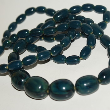 Long Bakelite Necklace - Costume Jewelry