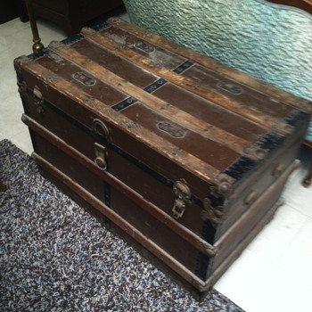 Steamer trunk before and after  - Furniture