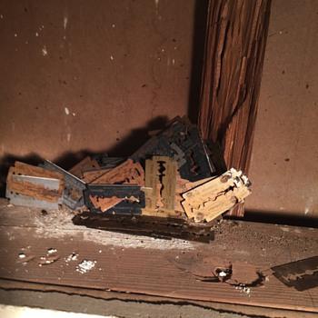 Vintage Gillette razor blades found