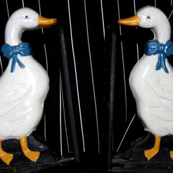 Cute vintage hand enamel painted cast duck book ends - Animals