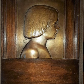 Bronze plaque - signed and dated 1944 - by who? - Fine Art