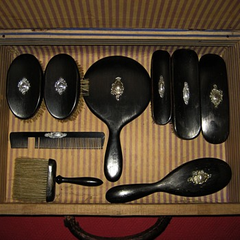 Victorian Era Gentleman's Grooming Set - Accessories