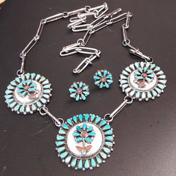 Zuni necklace and earrings - Fine Jewelry