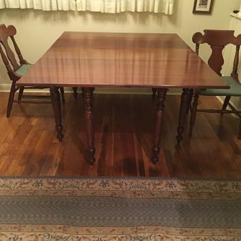 Willett cherry table  - Furniture