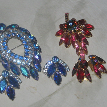 Blue Lagoon and unknown brooch and earing set - Costume Jewelry