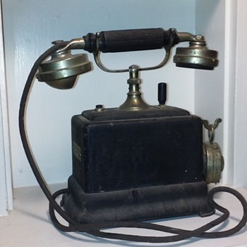 old French telephone by ERICSSON - Telephones