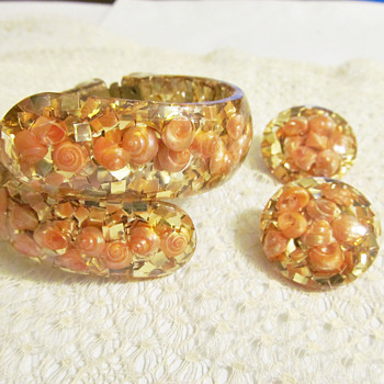 My current favorite glitter lucite pieces - Costume Jewelry