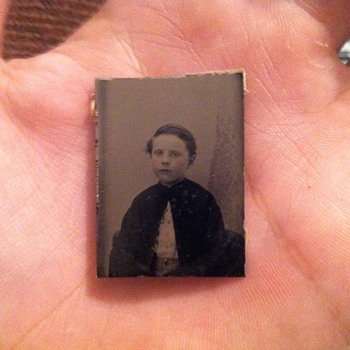 Tintype of young boy under the age of about 12