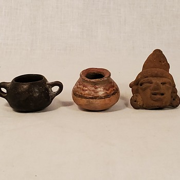 Little Native American Pottery pieces - Pottery