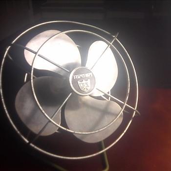"""Vintage 8"""" electric fan"""