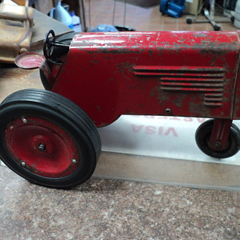 Dol-Trac Wind up Tractor