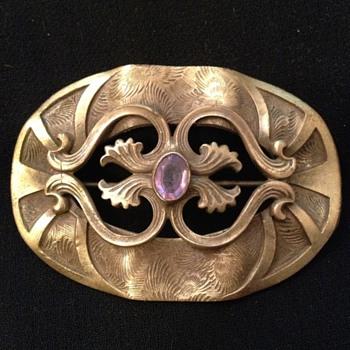 Art Nouveau C-clasp Brooch W/ Small Amethyst