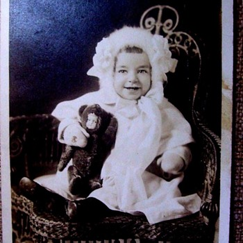REAL PHOTO POSTCARD, C. 1910. BABY HOLDS A BABY DOLL.  ADORABLE! - Photographs